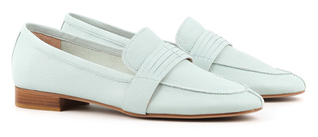 d9c1a7a6fc7d8c А доступна ціна на жіночі мокасини в інтернет-магазині Favorite Shoes  дозволяє придбати кілька різних моделей недорого. Взуттєві вироби від  брендів Mallanee ...
